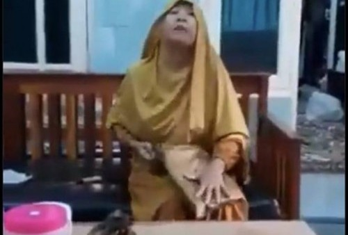 Kasar! Emak-Emak Tega Maki Kurir Olshop Gegara Pesanan Tak Sesuai, Netizen Ikut Geram!