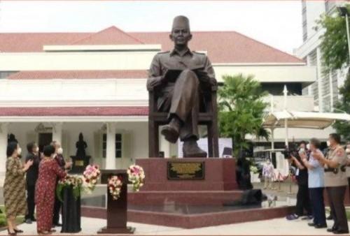 Akrab! Megawati dan Prabowo Resmikan Patung Bung Karno di Depan Kantor Lemhannas RI, Ketum PDIP: Sangat Istimewa!
